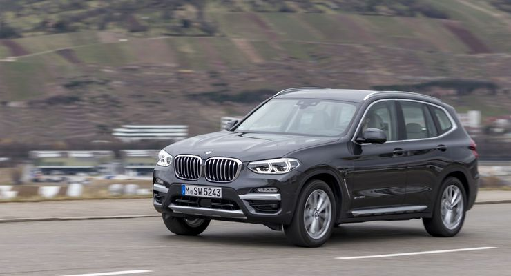bmw x3 20d im alltags test mittelklasse suv f r lange. Black Bedroom Furniture Sets. Home Design Ideas