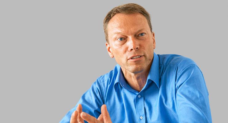Der Politikwissenschaftler und Kfz-Mechaniker Siegfried Brockmann