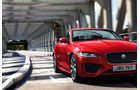 Jaguar XE, Modelljahr 2020, schräg vorne links