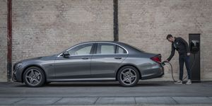 Mercedes E-Klasse 2019, Plug-in Hybrid, Kabel, laden, Ladestation