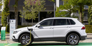 VW Tiguan E-Hybrid 2021, Plug-in Hybrid, Ladesäule, laden