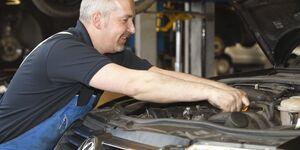 VW Werkstatt Auto Mechaniker