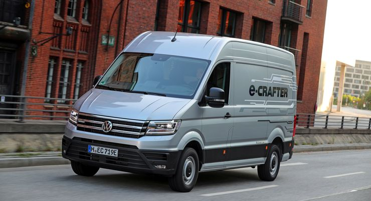 vw e crafter im test erste fahrt im elektro transporter. Black Bedroom Furniture Sets. Home Design Ideas